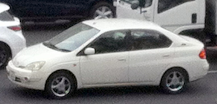NHW10 Prius, with bumper-mounted fog lamps